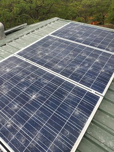 Damaged Solar Electicity Panels 19-04-2020 (2)