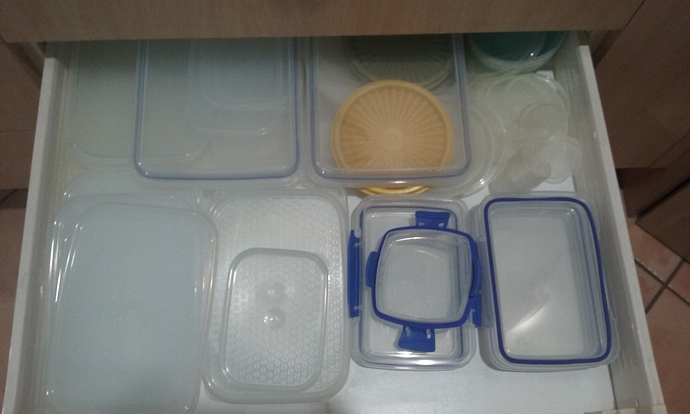 Plastic Containers Lids 02.09.2020